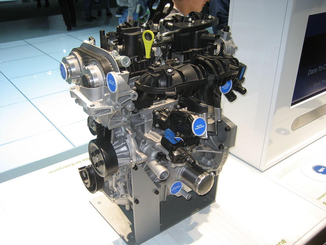 Motorul de consum redus EcoBoost produs la Craiova, cel mai bun din lume!