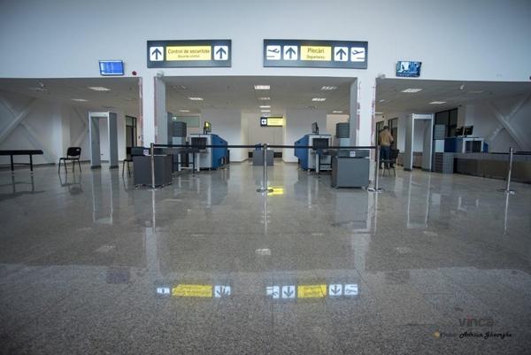 """Noul terminal al aeroportului international """"George Enescu"""" din Bacau a fost modernizat cu granit VINCA"""