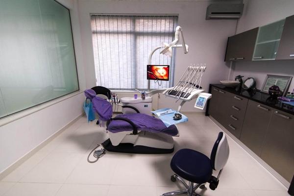 Ajutor financiar pentru elevii din Capitala care au nevoie de aparate ortodontice